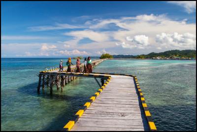 Togians islands- Malenge